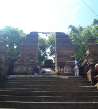 The role of local wisdom on the preservation of the Imogiri royal cemetery site